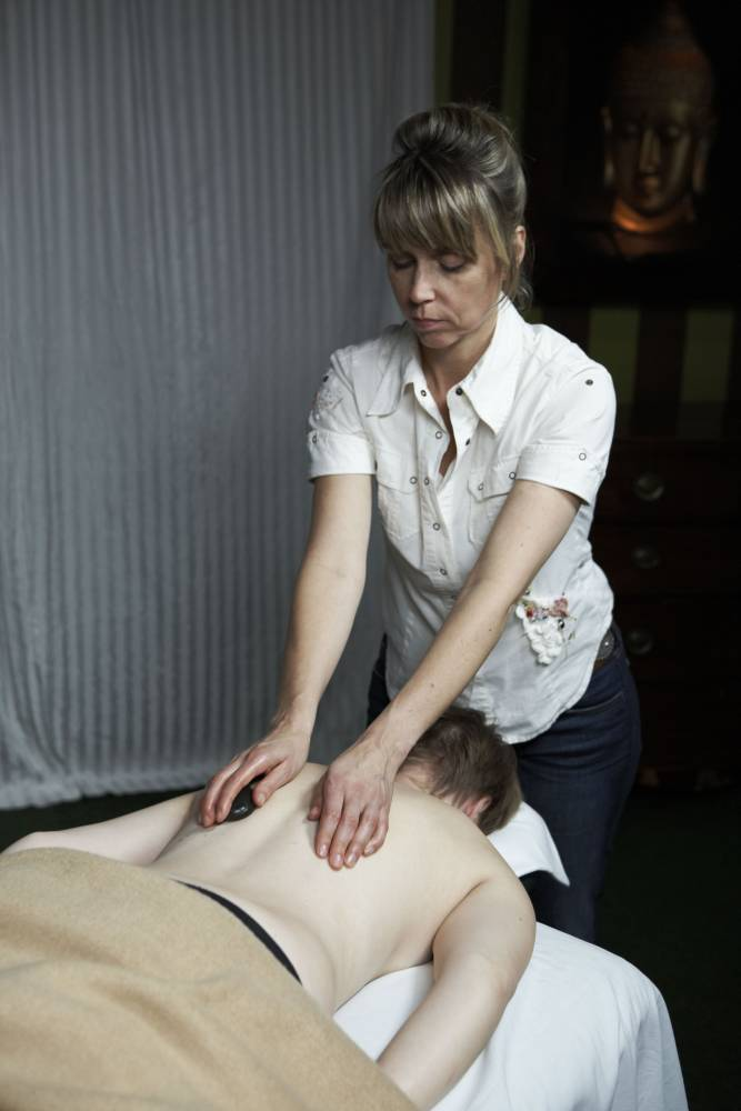 Hot Stone Massage Rücken